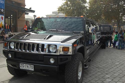 Limuzin bérlés olcsón beszerezhető járművel.