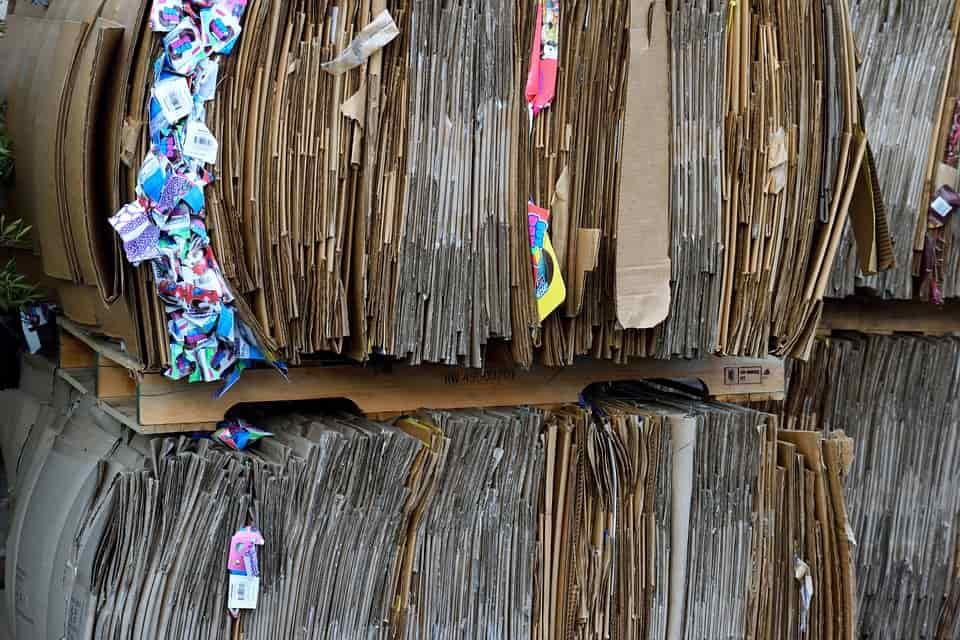 Legyen beszerezve minél több újrahasznosított papír termék!